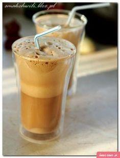Mrożona kawa puch - Swiatciast.pl Puch Recipe, Cookie Desserts, Healthy Desserts, Cake Recipes, Snack Recipes, Snacks, Iced Coffee, Coffee Drinks, Coffee Maker Machine