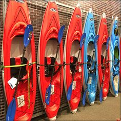 Sit-Inside Kayak Slatwire Lineup Display – Fixtures Close Up Casual Skirt Outfits, Water Shoes, Ladies Dress Design, Golf Bags, Lineup, Barefoot, Kayaking, Traverse City, Display