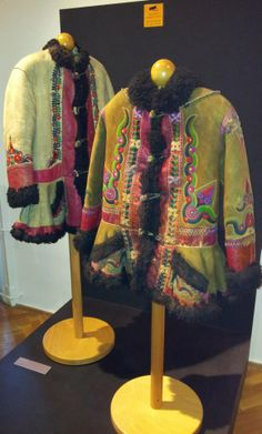 Hungarian coats from Fekete-Körös valley, Bihor County, Kingdom of Hungary. Currently part of Romania (Crișul Negru). Museum of Ethnography, Budapest.