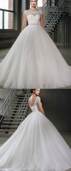 Marvelous Tulle Scoop Neckline Ball Gown Wedding Dresses With Lace Appliques
