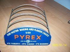RARE PYREX METAL PIE PLATE STORE COUNTERTOP DISPLAY VINTAGE PYREX ADVERTISING STORE DISPLAY
