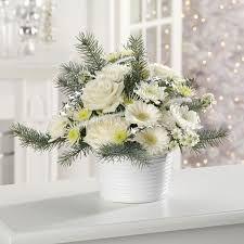 winter wonderland floral centerpieces