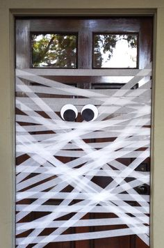 An easy to make Halloween decoration idea! All made with things in your home...