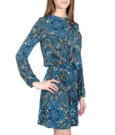 (http://www.meganslifestyleboutique.com/veronica-m-perry-keyhole-dress/)