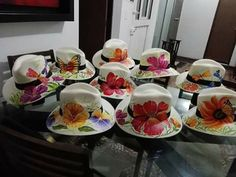 De ivanova Painted Hats, Hand Painted, Tea Hats, One Stroke Painting, Custom Hats, Cool Hats, Beach Look, Diy Projects To Try, Fabric Painting