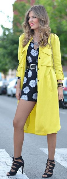 920f993ea541b0 Yellow Trench Streetstyle by Mi Aventura Con La Moda Love Fashion