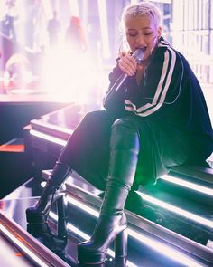 Christina Aguilera Billboard Music Awards Rehearsals 2018 Megan Fox Body, Beautiful Christina, Early 2000s Fashion, Cute Halloween Costumes, Christina Aguilera, Britney Spears, My Idol, Editorial Fashion, My Hair