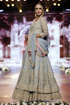Photo 4: Designer Aisha Imran Dresses Bridal Couture Week 2016,