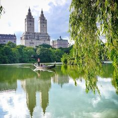 Romance in Central Park, New York