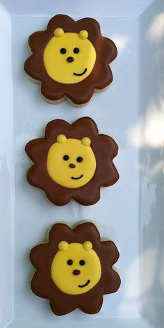 Lion Cookies - March: In like a lion. -- Match with spring colored hearts. Lion Cookies, Baby Cookies, Flower Cookies, Baby Shower Cookies, Iced Cookies, Biscuit Cookies, Cute Cookies, Yummy Cookies, Cupcake Cookies