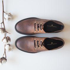Adicione um toque extra de elegância e distinção ao seu estilo!  #eurekashoes #filipesousa #shoes #inspiration #velvet #fw15