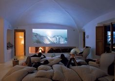 The perfect movie room!! So comfy:-)