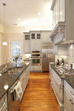 Dark Granite Kitchen Countertops Luxury Dark Granite Countertops – Used In A White Kitchen Interior Modern Kitchen Cabinets, Kitchen Cabinet Design, Kitchen Interior, Kitchen Decor, Kitchen Ideas, Grey Cabinets, Kitchen Countertops, Kitchen Tips, Kitchen Pantry