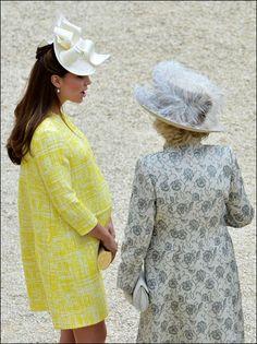 22/5/2013, 32 weken. En de jassen zijn nog niet uitgeput: dit gele exemplaar is van Emilia Wickstead.