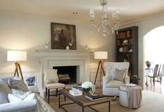 traditional-living-room-furniture-tripod-lamps