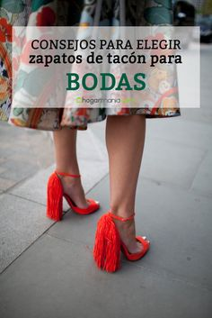 Consejos para elegir zapatos de tacón para bodas. #tips #tacones #bodas #hogarmania Tulle, Skirts, Accessories, Shoes, Fashion, Party Shoes, Tips, Over Knee Socks, Elegant