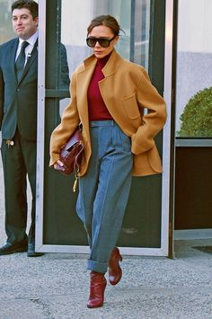 Camel outfit camel coat outfit, casual outfits for teens, cla Winter Outfits, Casual Outfits, Fashion Outfits, Fashion Trends, Fashion Clothes, Fashion Wear, Mode Victoria Beckham, Victoria Beckham Fashion, Victoria Beckham Outfits