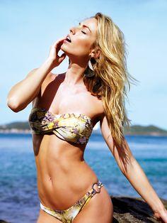 Coleção Viva LIVE! Verão 2013 • Clicado nas praias: Rasa, Ferradurinha, Azeda, Azedinha / Modelo: Celine Brinkgreve