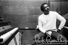 Wilson Pickett by Deborah Feingold Wilson Pickett, Thomas Pynchon, Rhythm And Blues, Museum Of Fine Arts, Black Star, Cool Posters, Rock And Roll, Pop Culture, Photos