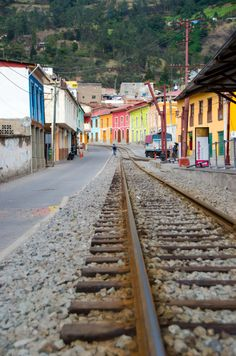 Alausí, starting point for the Devil's Nose train journey.//Alausí is a town in the Chimborazo province of Ecuador
