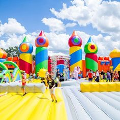 The largest bounce house in the world is coming to NYC, and it's not just for kids. The Big Bounce . Big Bounce House, Bouncy House, Bouncy Castle, Things That Bounce, Things To Do, Inflatable Obstacle Course, Jumping For Joy, World's Biggest, Worlds Largest