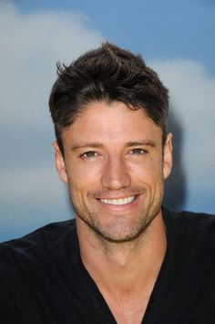 James Scott is what I imagined Christian Grey too look like.he's up there with Charlie Hunman and Adam. Beautiful Boys, Gorgeous Men, Alison Sweeney, Life Cast, James Scott, Days Of Our Lives, Christian Grey, Attractive People, Interesting Faces