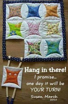 19 Ideas For Patchwork Cocina Ideas Quilt Blocks Hanging Quilts, Quilted Wall Hangings, Patchwork Quilting, Quilting Board, Small Quilts, Mini Quilts, Quilting Projects, Quilting Designs, Cathedral Window Quilts