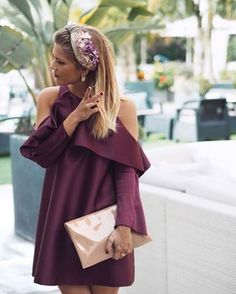 Cute Headband Hairstyles, Headbands For Short Hair, Estilo Resort, Simple Dresses, Short Dresses, Floral Fascinators, Wedding Guest Looks, Wine Dress, Fascinator Headband