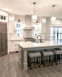 4 Tips For Kitchen Remodeling In Your Home Renovation Project – Home Dcorz Home Decor Kitchen, New Kitchen, Home Kitchens, Kitchen Dining, Kitchen Ideas, Kitchen With Corner Pantry, Windows In Kitchen, Corner Pantry Cabinet, Pantry Cabinets