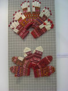Finnish traditional gloves and mittens Tapestry Crochet, Knit Crochet, Mitten Gloves, Mittens, Wrist Warmers, Knitting Ideas, 4th Of July Wreath, Knits, Diagram