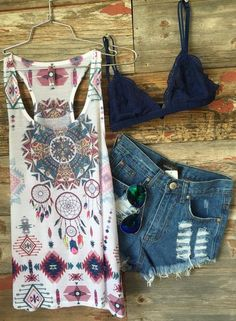 The Beyond LoveTank Topis a super soft and lovely tank for your wearing pleasure! With a racer back, flowy fit, and the cutest dream catcher and Aztec print,
