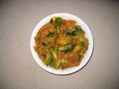 Solai's True Chettinad kitchen: Kalaikkose Pirattal (Brussels sprouts curry )