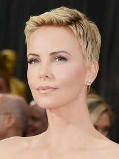 ideas about Funky Short Haircuts Short Hairstyles For Thick Hair, Chic Hairstyles, Short Pixie Haircuts, Pixie Hairstyles, Layered Hairstyles, Fringe Hairstyles, Hairstyle Ideas, Summer Haircuts, Female Hairstyles