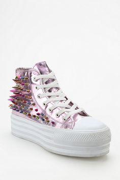 UNIF Koop Metallic Spike Flatform-Sneaker #urbanoutfitters