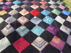Dominostrik. Strømpegarnsrester. Afghan Blanket, Crochet Blanket Patterns, Quilts, Knitting, Baby, Inspiration, Biblical Inspiration, Comforters, Tricot