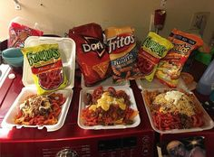 Credits to: Who you eating this with😋😋 Mexican Snacks, Mexican Food Recipes, Snack Recipes, Cooking Recipes, Savory Snacks, I Love Food, Good Food, Yummy Food, Sleepover Snacks