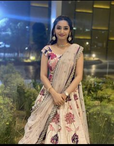 Half Saree Lehenga, Lehnga Dress, Bridal Lehenga, Sari, Party Wear Indian Dresses, Indian Bridal Outfits, Half Saree Designs, Lehenga Designs, Mehendi Outfits