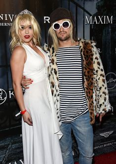 Halloween costume idea Mark Ballas And Girlfriend Dress Up As Kurt Cobain And Courtney Love