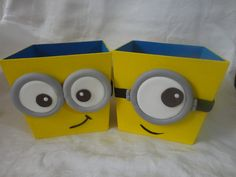 "Cachepot decorativo em MDF	 Usado para Centros de mesa ""Meu Malvado Favorito"" / Minions Minions Birthday Theme, Minion Theme, Minion Party, Birthday Party Themes, Boy Birthday, Pencil Toppers, Ideas Para Fiestas, Bottle Art, Diy Party"