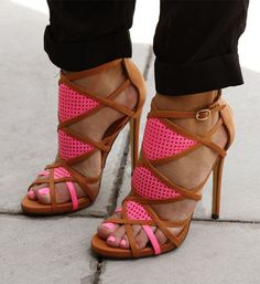 Sexy pink heels with brown trim. Love it!!