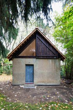 Berlin based architects Büros für Konstruktivismus have transformed a former chicken house into a pine clad artist's studio.
