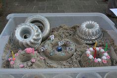 Zand en Zo! Taarten bakken. Voor suggesties klik op de nieuwsbrief van Het Jonge Kind van IJsselgroep Educatieve Dienstverlening.