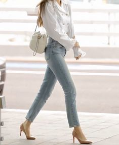 my name is jennie and this is my first story hope you enjoy Sow jennie from blackpink got a contract from big hit to be the member of bts and she accepts then drama starts between her and blackpink Blackpink Outfits, Korean Outfits, Casual Outfits, Fashion Outfits, Blackpink Airport Fashion, Airport Style, Airport Look, Blackpink Fashion, Asian Fashion