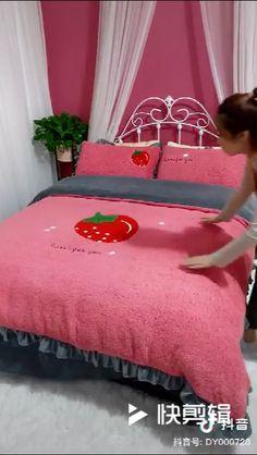 Bedroom Red, Dream Bedroom, Barbie House Furniture, Barbie Room, Modern Kids Bedroom, Showroom Interior Design, Kawaii Room, Bedroom Styles, Fashion Sewing
