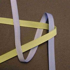 Ribbon twisted box braid Tutorial to create your own mini Hawaiian Lei bag charm. Twist Box Braids, Large Box Braids, Short Box Braids, Jumbo Box Braids, Blonde Box Braids, Black Girl Braids, Box Braids Tutorial, Faux Locs Styles, Triangle Box Braids