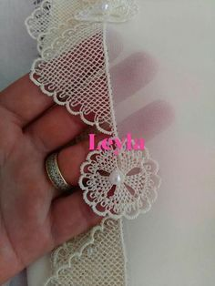 Best Picture For crochet earrings triangle For Your Taste You are looking for something, and it is going to tell you exactly what you are. Bead Embroidery Tutorial, Beaded Embroidery, Hand Embroidery, Knitted Poncho, Knitted Shawls, Easy Crochet, Knit Crochet, Knit Shoes, Needle Lace