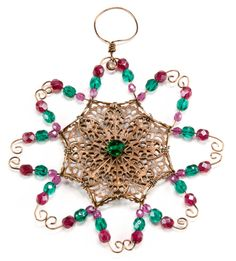 Jewelry Making Idea: Holly and Ivy Ornament  #eebeads