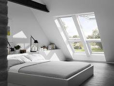 Find a top hung VELUX roof window for every loft conversion or home extension project, and at prices to suit every pocket. Loft Room, Bedroom Loft, Dream Bedroom, Home Bedroom, Bedroom Decor, Extra Bedroom, Interior Architecture, Interior Design, Attic Bedrooms