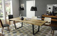 Esstisch Venke aus Massivholz mit Metallkufen & Baumkante   COMNATA Esstisch