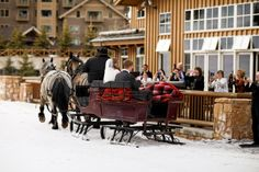 Hotel: Deer Valley Resort, Empire Canyon Lodge / Photographer: Pepper Nix Photography /  Event Planner: Events by LMG